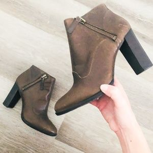 Ugg Brown Dolores Leather Zip Heel Ankle Booties 8